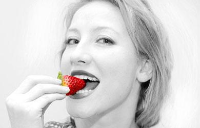 Setelah bebas dari keinginan merokok, gantilah dengan mengunyah buah murbai.