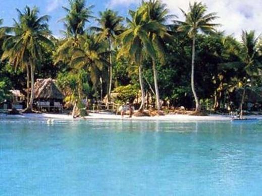 Tuvalu – 9 mil persegi – Tuvalu terdiri dari susunan 9 karang sepanjang rantai karang yang terdapat di Polynesia. Negara ini merdeka pada tahun 1978 dan dihuni sekitar 12.000 warga.