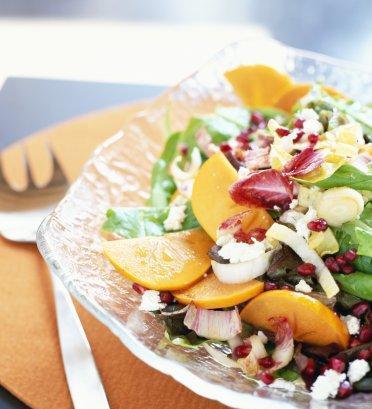 Makanan sehat bergizi tidak selalu mahal. Komposisi rendah lemak tinggi serat modal utama mencegah kolesterol tinggi. Sayuran dan buah sangat dianjurkan dikonsumsi sebagai menu harian.