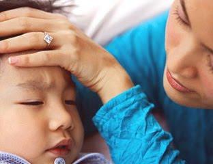 Reiki juga bisa sisalurkan kepada anak yang sedang demam dan pusing kepalanya, agar suhu badan kembali normal.