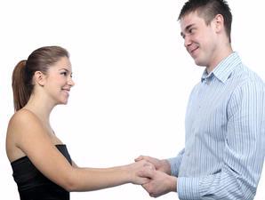 Membina hubungan posif dan harmonis selama menjalani pernikahan harus tetap diupayakan, sekalipun pasutri belum dikaruniai anak.