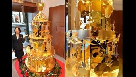 pohon natal emas 2