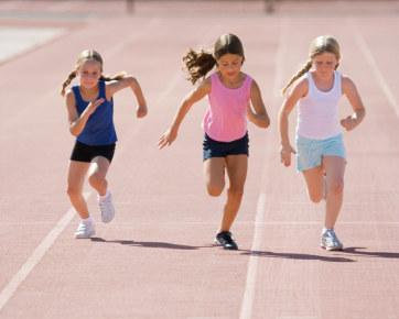 Anak-anak yang berpartisipasi dalam olahraga bisa mengasah keterampilan sportivitas mereka dengan baik. Berjabat tangan dengan kompetisi, tidak peduli apa hasil dari suatu pertandingan, mampu menerima kekalahan dan berusaha melakukan yang terbaik bagi dirinya dan tim secara keseluruhan.