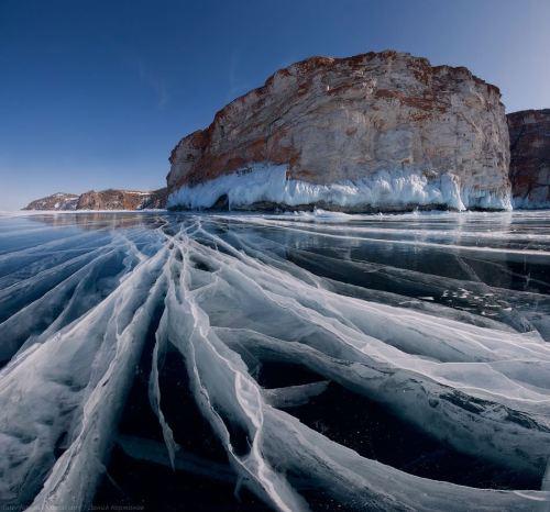 Danau Baikal merupakan situs warisan dunia yang terletak di selatan Siberia di Rusia, antara Oblast Irkutsk di barat laut dan Buryatia di tenggara, dekat kota Irkutsk.