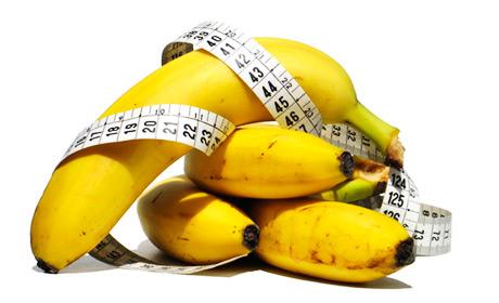 Semua orang perlu banyak potasium dalam makanannya. Potasium atau kalium merupakan salah satu mineral yang paling penting bagi kesehatan dan efisiensi tubuh kita.Menurut peneliti dari Itali, makan banyak makanan kaya kalium seperti sayuran hijau, kentang dan pisang dapat mengurangi resiko penyakit jantung koroner dan stroke.