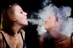 Benda kecil yang dapat membahayakan nyawa manusia, itulah rokok. Ribuan orang meninggal setiap tahunnya berasal dari penyakit yang ditimbulkan akibat merokok.