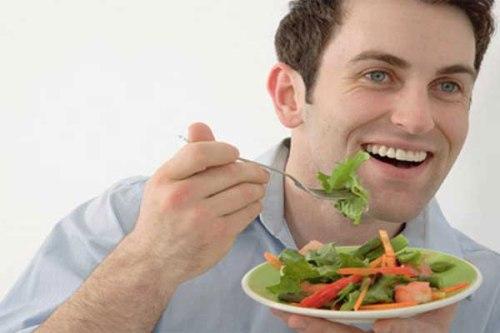 Jangan menunda waktu makan jika telah tiba sekalipun pekerjaan belum selesai dikerjakan.