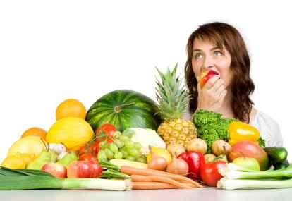 Cegah jantung koroner, kurangi makan daging berlemak, ganti dengan protein hewani kaya omega 3 juga buah dan sayur.