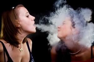 Jika ingin paru-paru sehat, jangan lakukan kebiasaan buruk ini sejak remaja. Hentikan mulai sekarang agar tidak merugikan orang lain, menjadi perokok pasif.