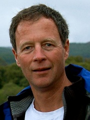 Andrew Carr  ahli bedah  proyek pengembangan implan.