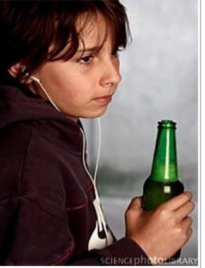 Anak muda rentan terhadap pengaruh miras karena iklan tellevisi.
