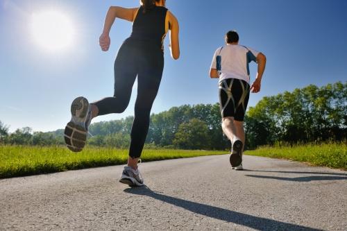Untuk mengatasi rasa jenuh di rumah yang menjadikan depresi, luangkanlah waktu di pagi hari untuk berolahraga.
