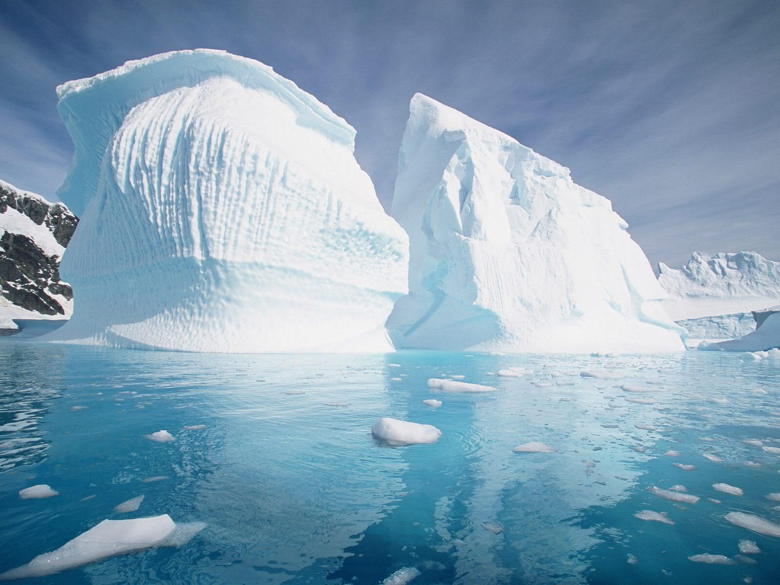 Gumpalan raksasa es Antartika merekah setelah terjadi gempa bumi Chili.