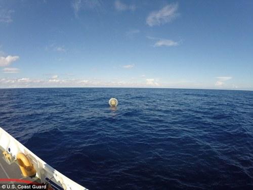 The Coast Guard diselamatkan Reza Baluchi dari nya Hydro gelembung 70 mil jauhnya dari St. Augustine, Florida, Sabtu