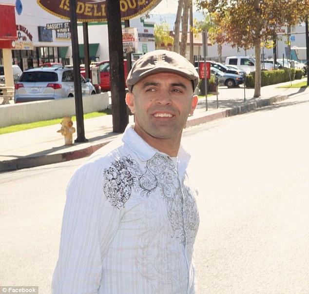 Philanthropist : Reza Baluchi merupakan sebuah pemberani dan dermawan didedikasikan untuk mencapai prestasi besar dan mengumpulkan uang dan kesadaran untuk anak-anak miskin dalam proses