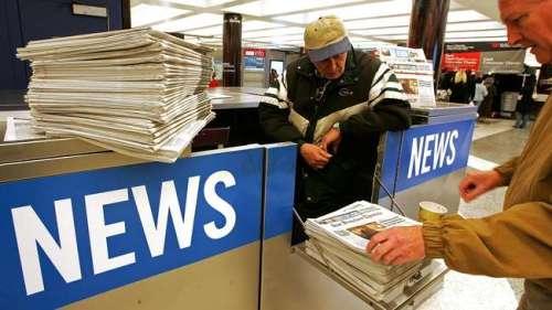 Wartawan muda dan tua di Koran mulai sekarang harus bekerja rangkap. Semula mencari, menyunting berita, sekarang koran jadi juga harus diantarkan ke pelanggan.