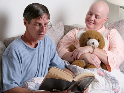 Ada banyak pilihan terapi kanker. Semua bertujuan untuk penyembuhan pasien penderita kanker, baik stadium lanjut atau yang baru merasakan gejala awal, misalnya penyakit kanker payudara pada wanita.
