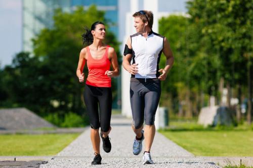 Selain gaya hidup sehat menyangkut pola makan, pola pikir sehat, yang tak boleh ditinggalkan adalah aktivitas sehat luar ruang, seminggu 5 kali dengan durasi 30 hingga 50 menit, yaitu berjalan kaki atau berlari.