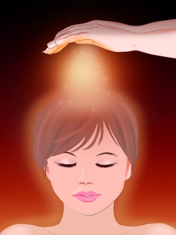 Bagi praktisi reiki yang menggunakan simbol reiki, mengaktifkan chakra mahkota dan kedua telapak tangan dengan menggunakan simbol SHK lalu diperkuat CKR.