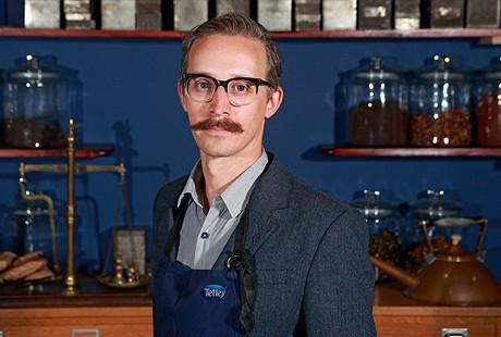 Sebastian Michaelis (32) bekerja di Tetley sebagai tester teh. Lidahnya dikatakan mampu membedakan satu jenis teh dari ratusan teh di dunia hanya dalam hitungan detik. Karena kemampuannya itu lah perusahaan menggaransikan lidahnya dengan besaran uang yang tidak sedikit.