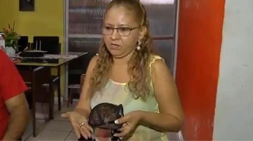 Bra milik Ivete Medeiros jadi penyelamat dirinya dari peluru nyasar penodong.