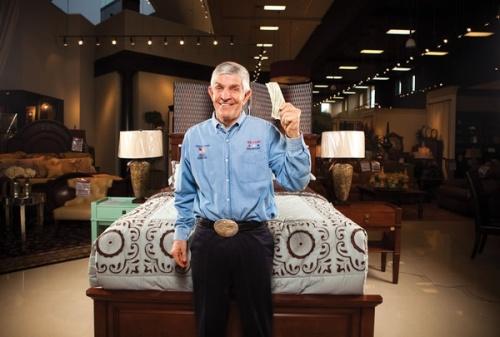 Jim di galerinya.