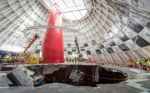 Bencana tanah runtuh menjadikan museum ini jadi terkenal dengan banyaknya pengunjung.