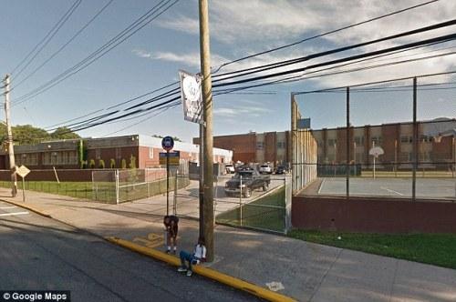 Karena ancaman Karen Shearon, maka sekolah SMA Susan E Wagner langsung diamankan polisi.