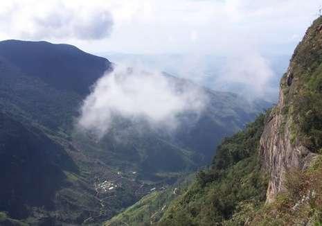 Taman Nasional Dataran Horton Nuwara Eliya, Sri Lanka dengan pemandangan indah.
