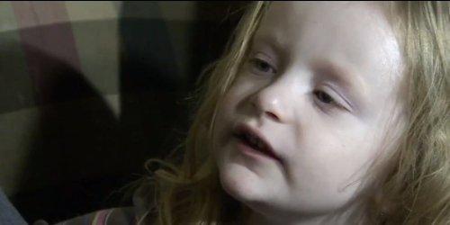 Annabelle Slushie bocah perempuan berusia empat tahun, anak Jaclyn Mager dan Timothy Ridgeway keluyuran di waktu subuh.