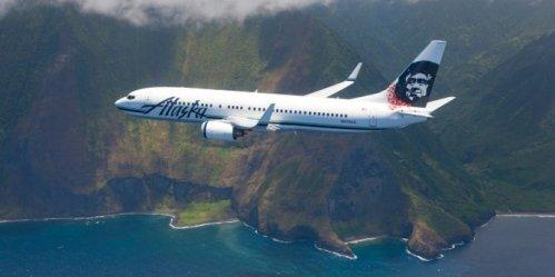 Pesawat Alaska dalam penerbangan menuju