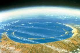 Terletak di Semenanjung Yucatán di Meksiko. Banyak ilmuwan percaya bahwa meteorit yang meninggalkan kawah besar menjadi salah satu penyebab ...