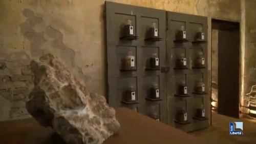 Jars of faeces menghiasi dinding di museum yang tidak biasa di sebuah desa kecil dekat kota Italia Piacenza