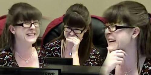 Dengar Suara Pipis Laki-laki, Walikota Perempuan ini Hentikan Pidato sambil Nahan Tawa