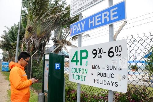Sebaliknya ongkos parkir di Canberra pun juga mahal.