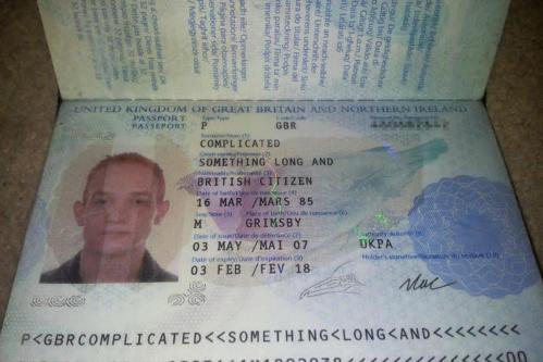 Paspor milik William Wood alias Something Long and Complicated sebagai dokumen resmi.