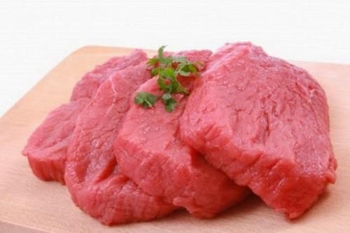 Wanita baiknya memperhitungkan untuk mengukur mengkonsumsi daging merah, lantaran riset terbaru menghubungkan mengkonsumsi daging dengan kanker payudara.