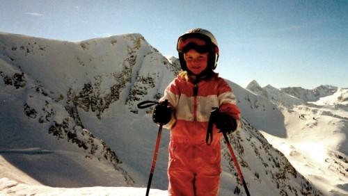 Sebuah foto masa kecil Angel Collinson . Foto : Courtesy Angel Collinson .