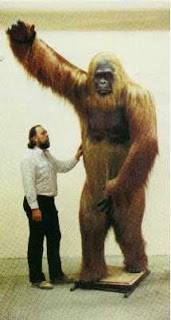 Temuan ini mencengangkan sebab selama ini Gigantopithecus atau kera raksasa yang ukurannya mencapai 3 meter dipercaya hanya tersebar di Tiongkok, Asia Selatan, dan wilayah Vietnam yang dekat dengan Tiongkok.