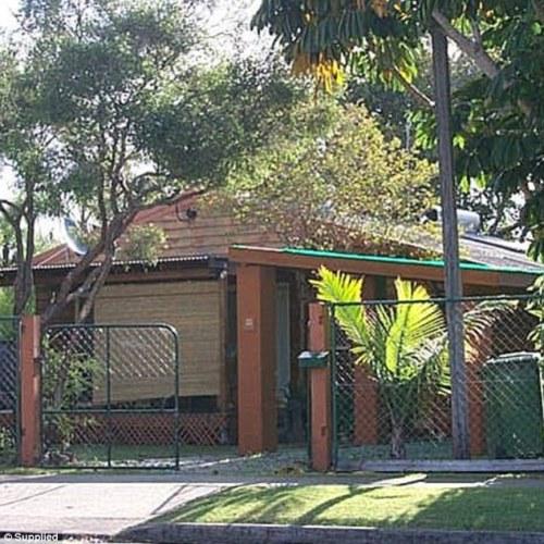 Rumah sewa yang ditempati keluarga Jacquie Young dan Dieter Winkler di kawasan Burleigh Heads.
