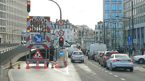 Usaha kerajaan Belgium untuk mengatasi masalah kesesakan trafik di ibu negara, terjejas gara-gara pelan asal bagi menaik taraf terowong bawah tanah dimakan oleh sekumpulan tikus lapar.
