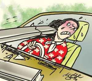 Ilustrasi Didie SW, perempuan paruh baya sedang menyetir nabrak
