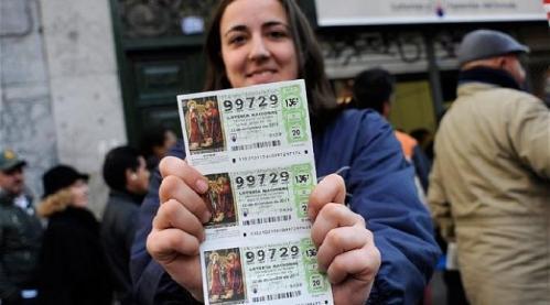 Wanita menang lotre tidak takut cerai, saat mantan suaminya minta uang menang lotre.