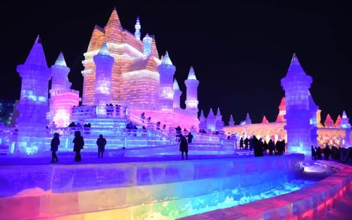 Festival ini telah diadakan sejak tahun 1963. Namun , itu ' diletakkan di atas es ' untuk beberapa tahun selama Revolusi Kebudayaan tapi kembali pada tahun 1985 . Gambar : Xinhua / REX / Shutterstock