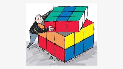 pria bawa kotak warna