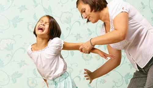 Menurut peneliti lainnya dari Columbia University, Michael MacKenzie, memukul pantat anak kerap dilakukan orangtua karena cara itu dinilai lebih efektif dalam jangka pendek. Itu pula yang menyebabkan perilaku ini sulit diubah.