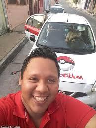 Emilio Cachoa sopir taksi yang