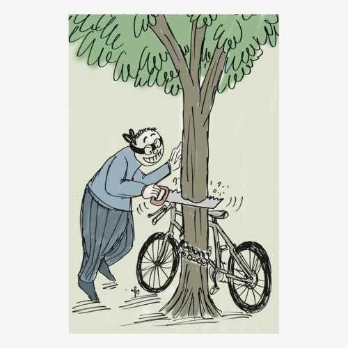 Ada saja akal pencuri dalam melakukan aksinya. Dengan menggergaji batang pohon, sepeda yang dirantai pemiliknya pun bisa dicuri.