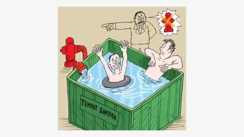 Lebih baik mandi di kolam renang saja, daripada di bak terbuka bekas tempat sampah. Selain kotor, banyak kuman penyakit dari sampah membusuk, merugikan kesehatan