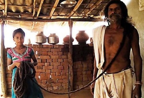 Savjibhai Rathwa, Pria Pemilik Rambut Terpanjang di Dunia 19 Meter.